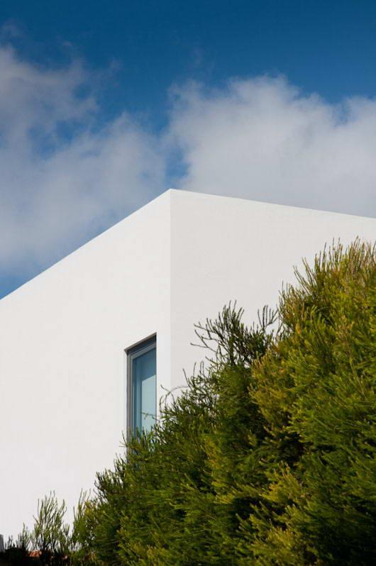 Дом в Португалии в 2019 г: Минималистский дом в Португалии 5