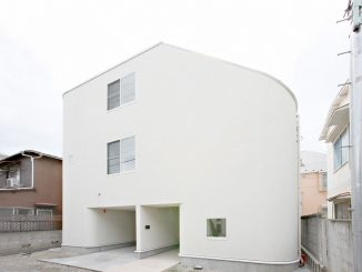 Дом в Накамегуро (House in Nakameguro) в Япония от LEVEL Architects.