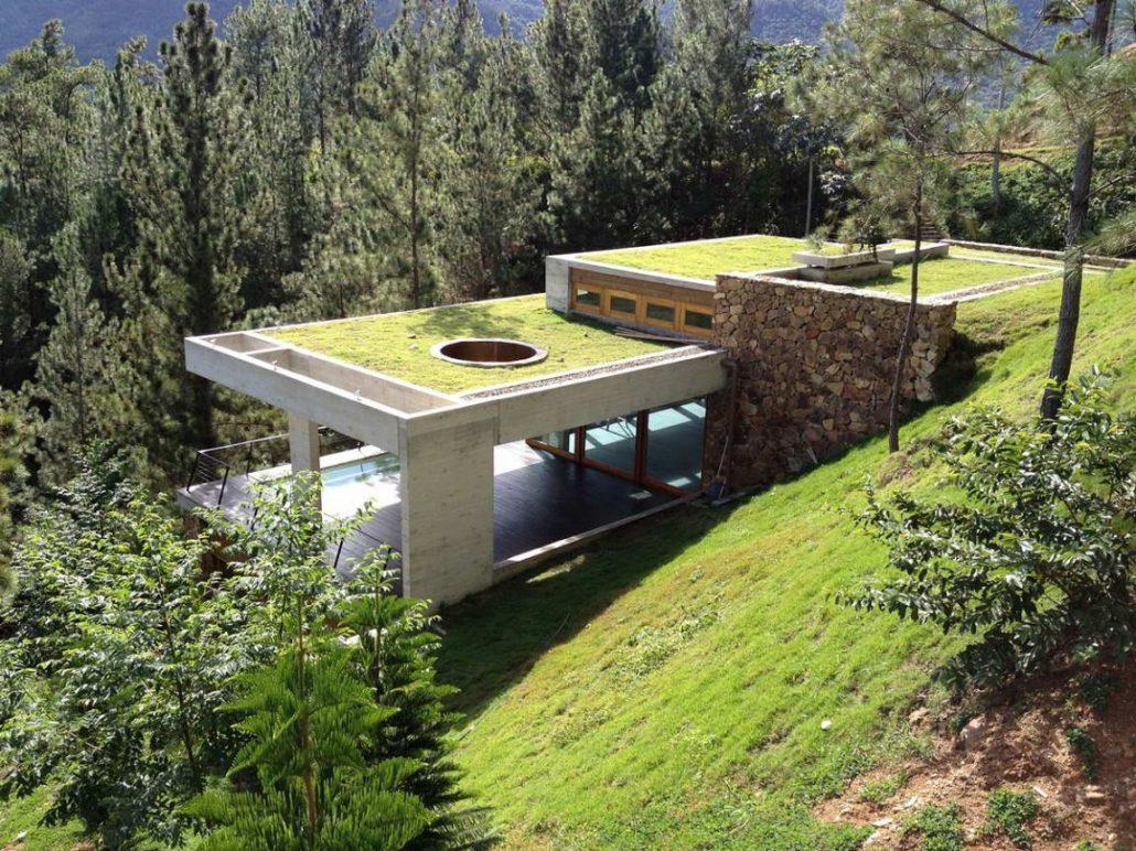 дома на крутом склоне гор фото обществе эффектной