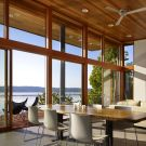 Домик на острове Вашон (Vashon Island Cabin) в США от Vandeventer + Carlander Architects.