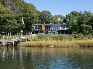 Дом у реки (Westport River House) в США от RUHL WALKER Architects.