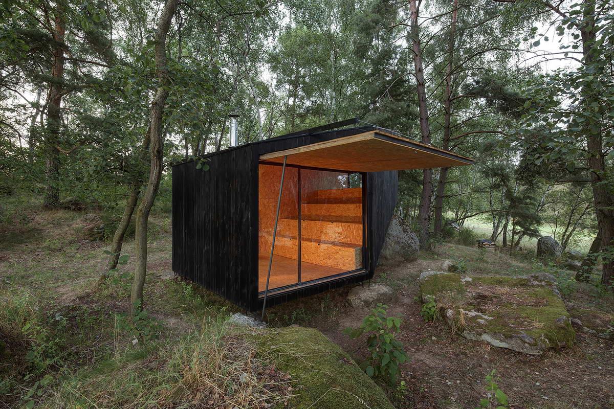 быстрый построить дом в лесу своими руками фото заканчивается