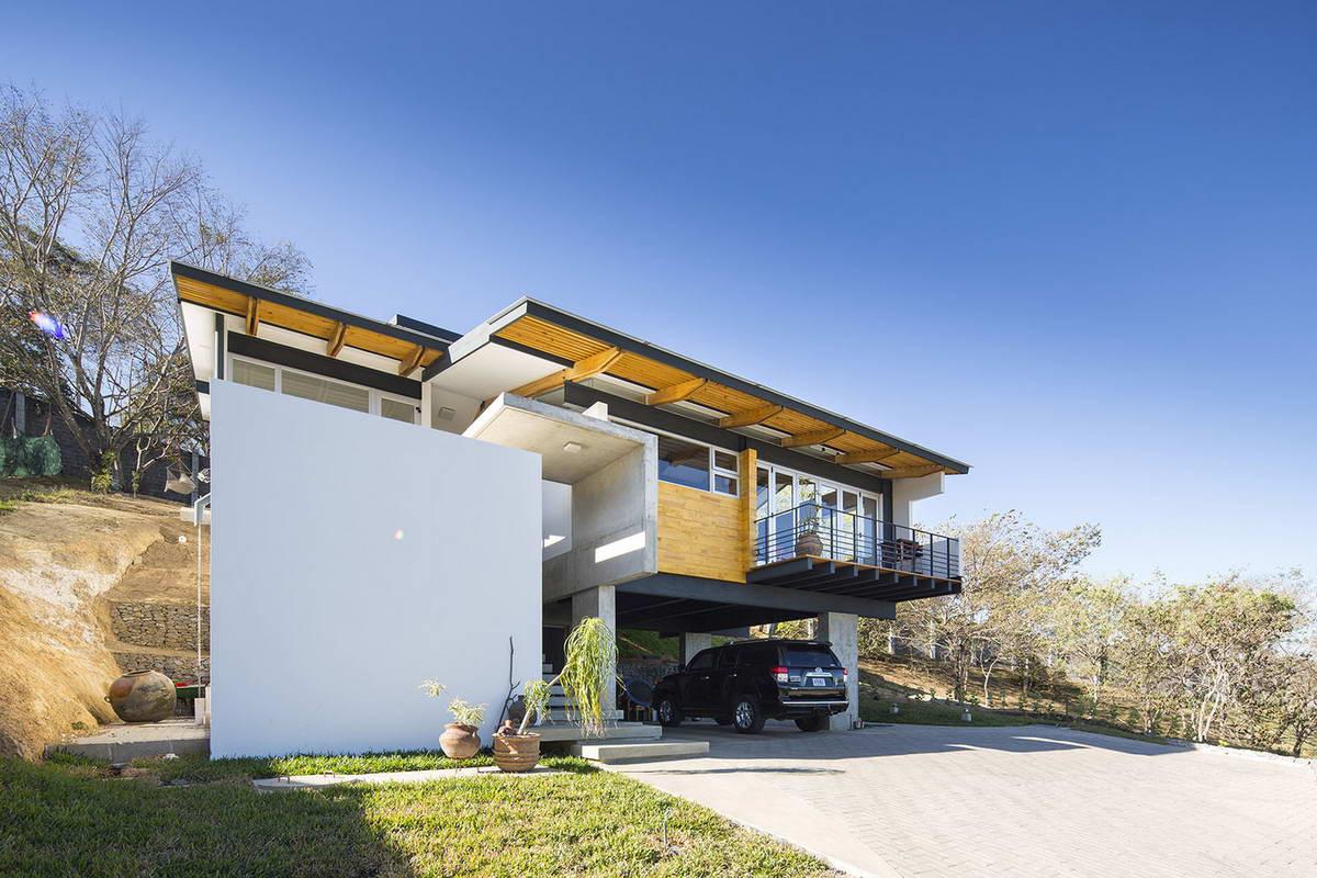 красивые дома на склоне фото розетка тёмно-зелёных