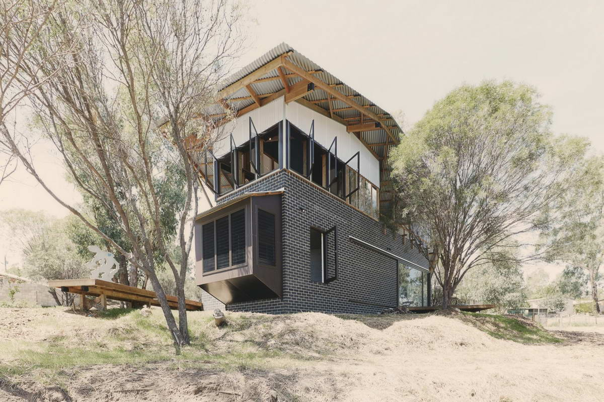 Хижина (Toodyay Shack) в Австралии от Paul Wakelam Architect - A Workshop.