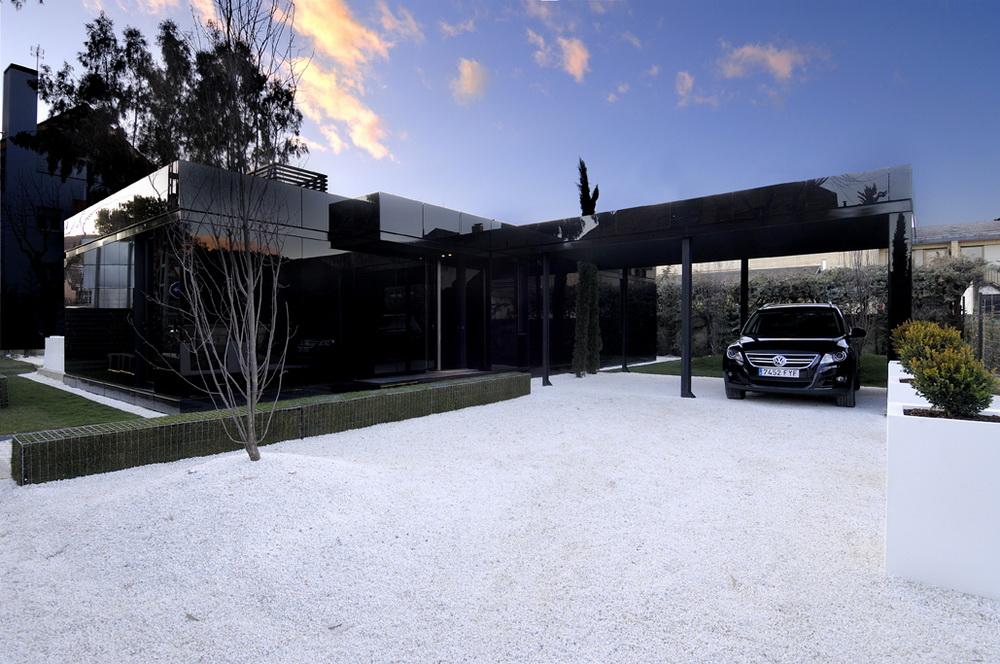 Этот дом является первым из двух проектов построенных для продажи в качестве доступного жилья.