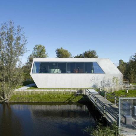 Дом на острове в Голландии