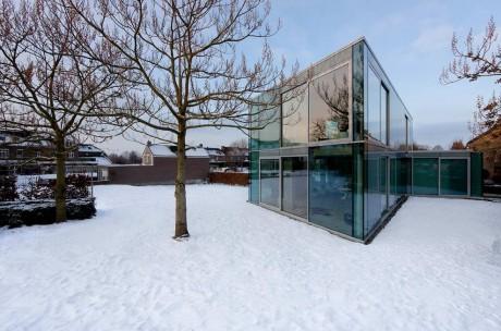 Стеклянный дом в Голландии
