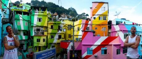 Карнавал красок в трущобах Рио