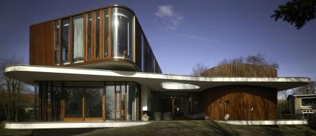 Футуристический ретро-дом