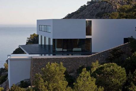 Дом над морем в Испании