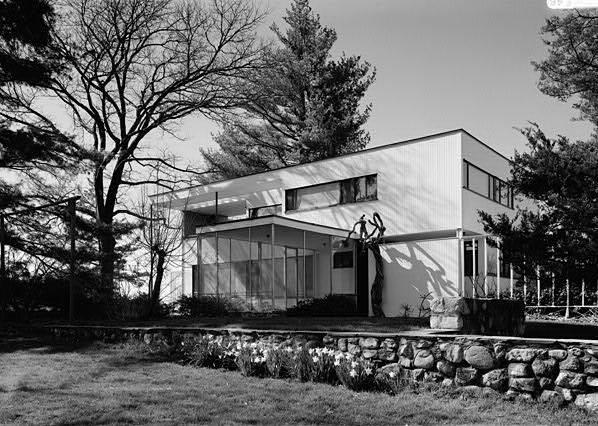 gropius house. Black Bedroom Furniture Sets. Home Design Ideas