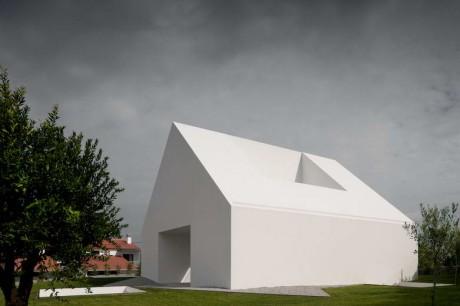 Белый дом в Португалии 3 - Дом в Лейрия (House In Leiria) в Португалии от Manuel Aires Mateus.
