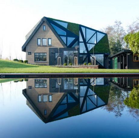 Гранёный дом в Голландии