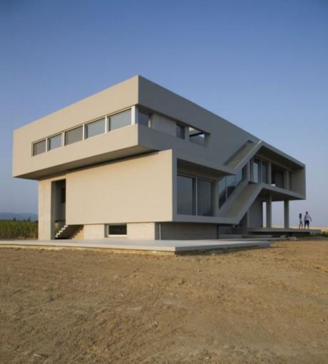 Двойной Дом (Double House) в Греции от Divercity Architects.