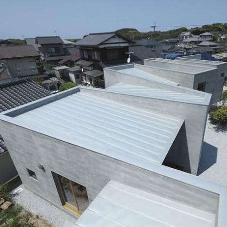 Дом со стеной (House with a Wall) в Японии от Masao Yahagi Architects.