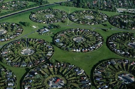 Жилые участки в пригороде Копенгагена Брондбю. Дания