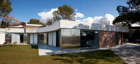 Дом-хамелеон в Испании