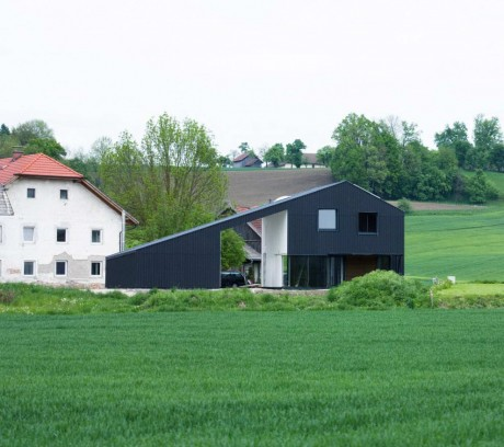 Чёрный дом в Австрии 2