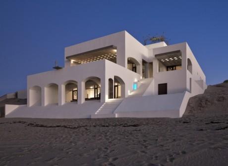 Дом у океана в Мексике