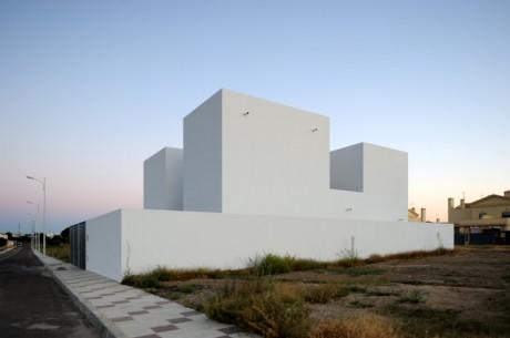 Интровертный дом в Испании