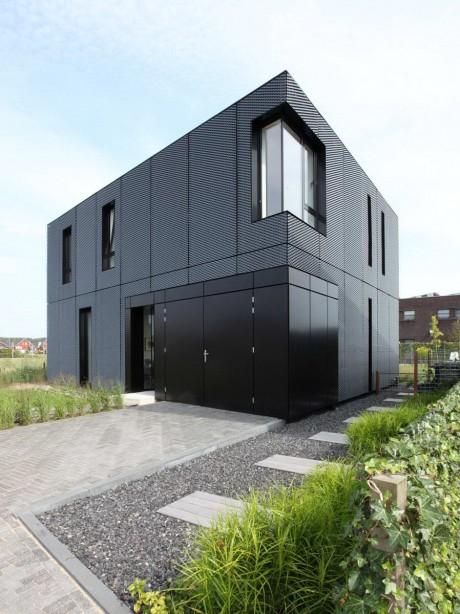Металлический дом в Голландии