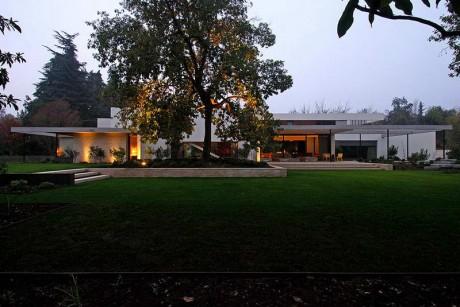 Дом с садом в Чили