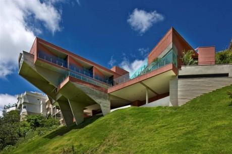 Дом на склоне в Бразилии 2