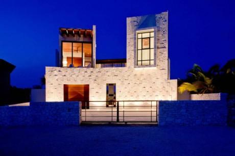 Дом на берегу Карибского моря