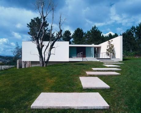 Дом на холме в Португалии