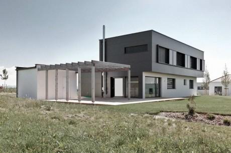 Дом на две семьи в Австрии