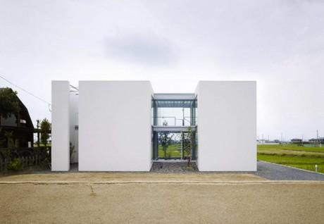 Дом с двумя дворами в Японии 2