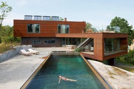 Дом на скале в Швеции