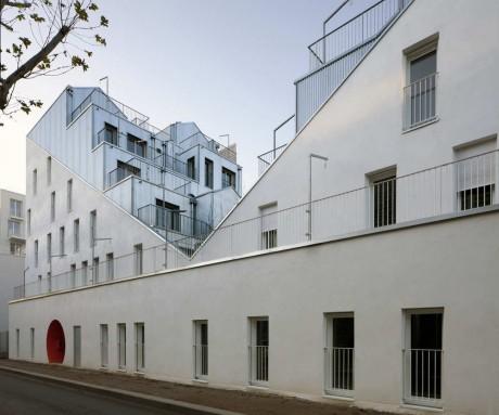 Многоквартирный дом в Париже