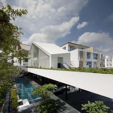 Дом с парком в Сингапуре