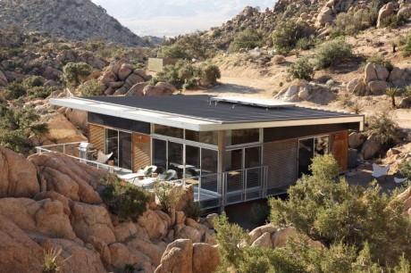 Дом среди камней в США 2