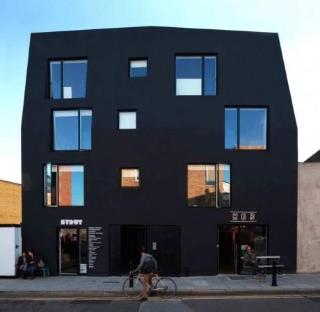 Чёрный дом в Лондоне