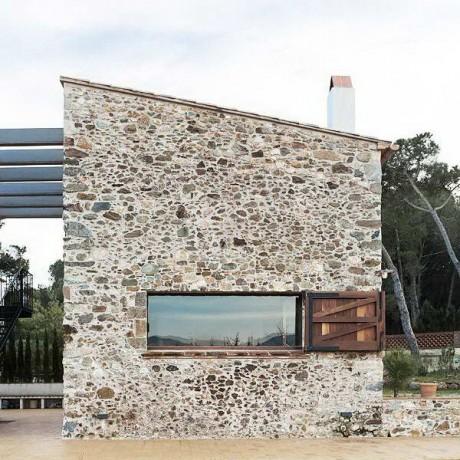 Реконструкция сарая в Испании
