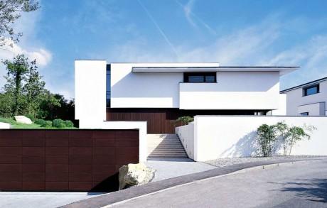 Дом на две семьи в Германии