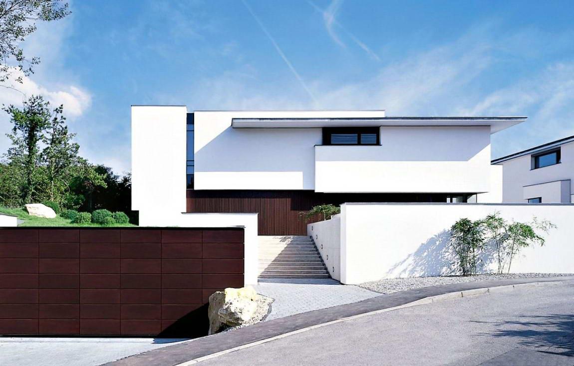 Этот стильный яркий дом на небольшой