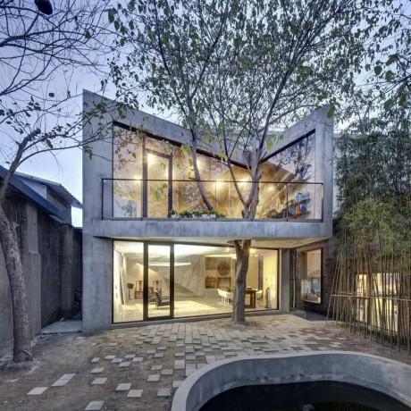 Дом с деревом в Китае