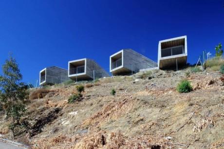 Дома над обрывом в Испании