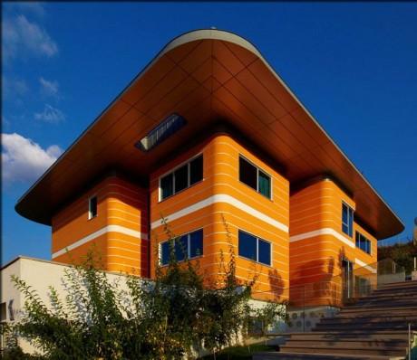 Оранжевый дом в Турции
