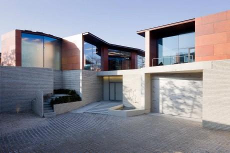 Дом с галереей в Корее