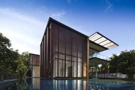 Дом с бассейнами в Сингапуре