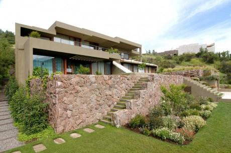 Дом на склоне в Чили 3
