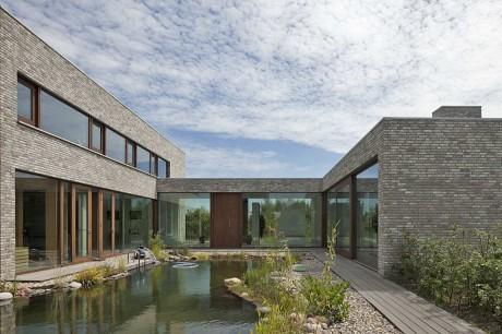 Кирпичный дом в Голландии 3