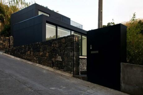 Чёрный дом в Португалии 3