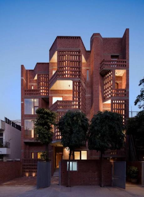 Кирпичный дом в Индии