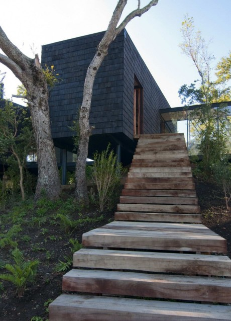 Дом у озера в Чили