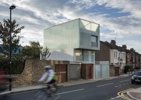 Стеклянный дом в Англии